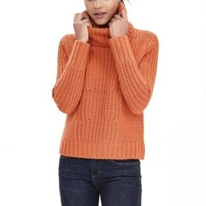 🍂🎃 Banana Republic Cowl Neck Sweater